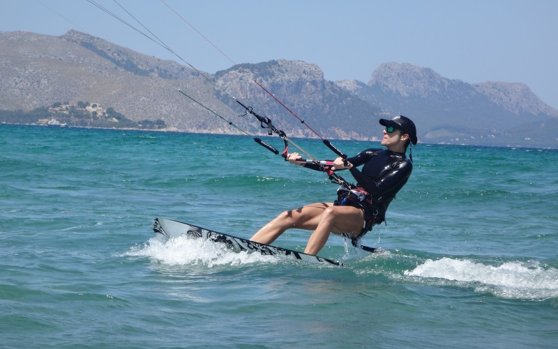 20-Mariona-Mallorca-kitesurfing-school-August-July-September-www-kitesurfingmallorca-com
