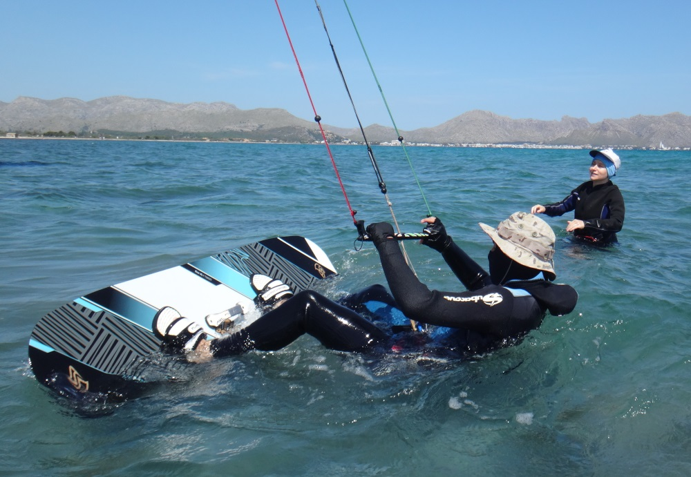 1-board-positioning-kitesurfing-lessons-in-Mallorca-in-June-Ron