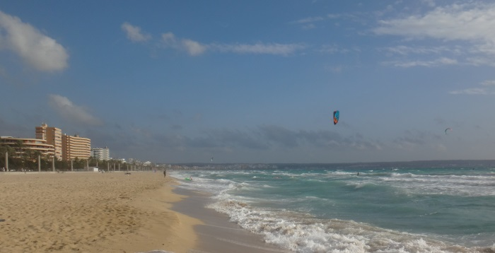 2 Playa-de-palma-SArenal-in-October-after-thermal-wind-season-kitesurfing mallorca-com-kiteschool-in-Mallorca