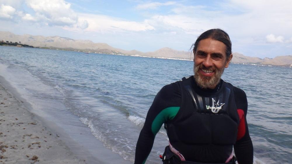 15-el-pajaro-en-cuestion-kitesurfing en-mallorca