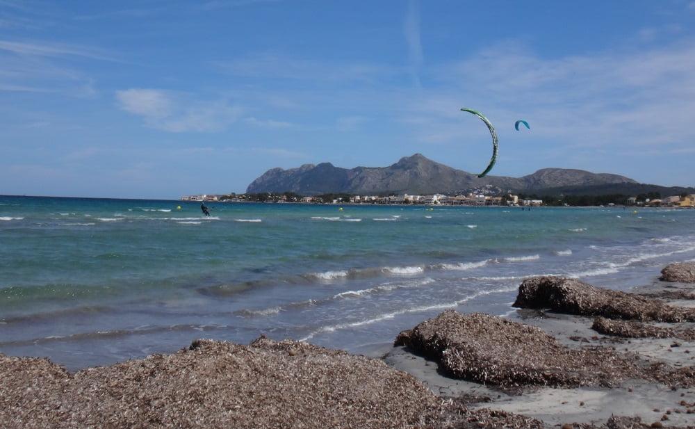 2-Mitch-mini-brisa-kitesurf en-en-mallorca-muy-poco-viento y muchas ganas