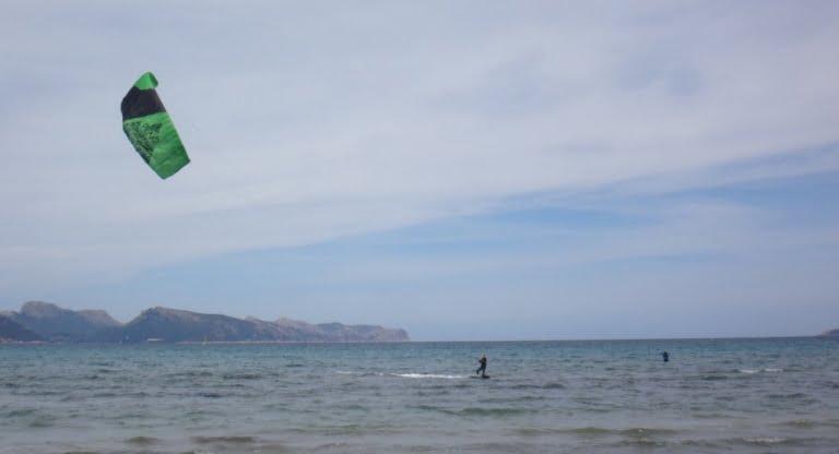 "4-Flysurf-a-Majorque-leçons-de-kitesurfing-Sofie-www.kitesurfimngmallorca-com-768x416"""""