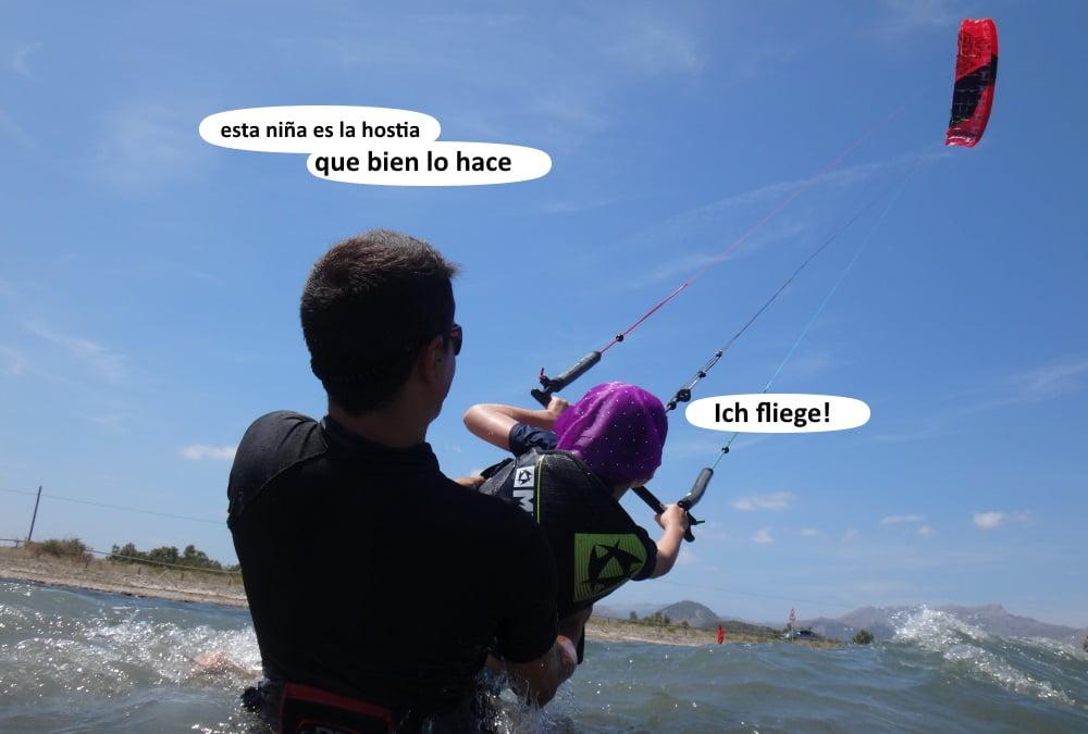 47  playas para kitesurfing en Mallorca . socios ayudando con las clases