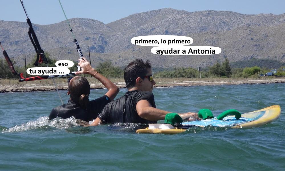 6 ayudar en los cursos de kitesurf en Mallorca