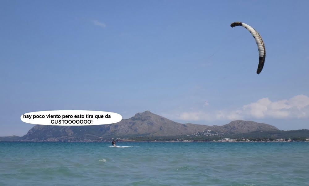 5 cursos de kitesurf en Mallorca socio con kite tipo foil